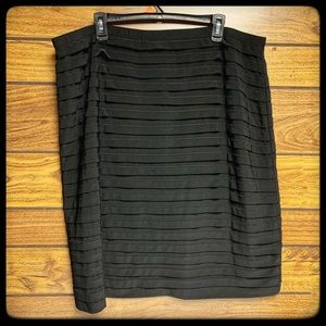 Dress barn collection black skirt 22W EUC